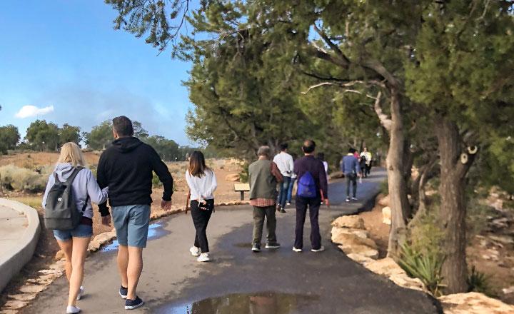 south rim walking tour guide trail