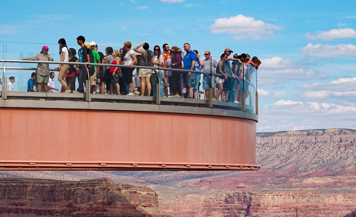 Visitors looking into the Grand Canyon from the SkyWalk