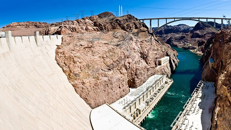 Book a Hoover Dam Bus Tour Day Trip on Your Las Vegas Vacation